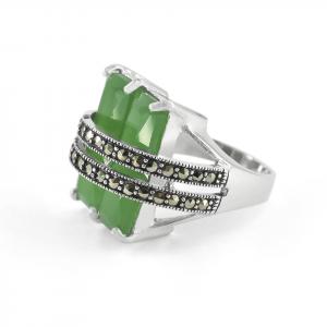 Anillo Brilho Silver de plata marquesita y piedra verde